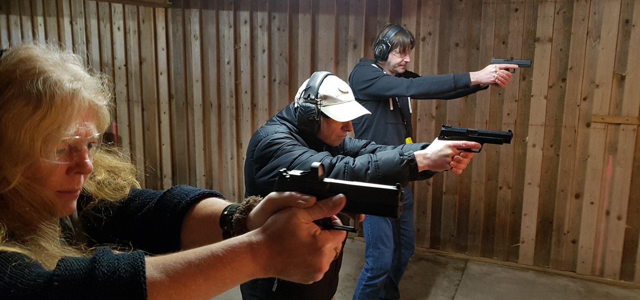Pistolen am Schießstand